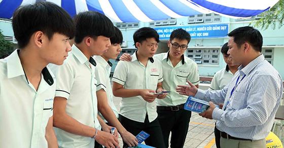 Cập nhật thông tin tuyển sinh vào lớp 10 THPT chuyên Thái Nguyên 2017