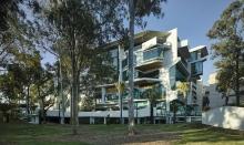 Học bổng Cử nhân Úc ĐH Queensland ngành Kinh tế 2018 giảm 100%